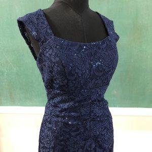 Short lace and sequins short dress